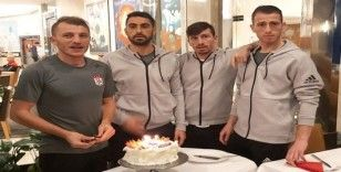 Sivassporlu futbolculara sürpriz doğum günü kutlaması