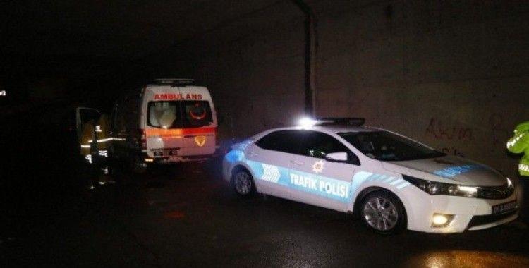 Pozantı'da çığda kaybolan kişiyi kurtarmaya giden araçlar mahsur kaldı