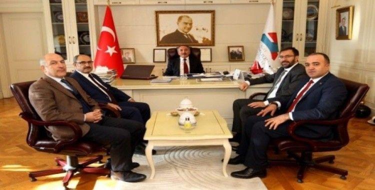 AİÇÜ Rektörü Prof. Dr. Karabulut, Demir ve Çintimar'ı misafir etti