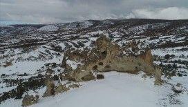 Frigya'da 'kış manzarası' büyülüyor