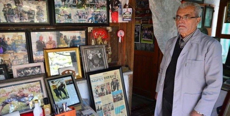 Er meydanındaki yiğitlerin 64 yıllık yol arkadaşı İrfan usta