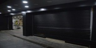 Kuruyemiş dükkanındaki hırsızlık anı kamerada