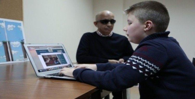(Özel) Bilgisayar kullanmayı öğrenen görme engellilerin dünyası değişti