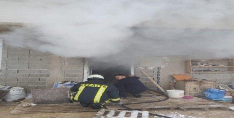 Karaman'da çakmakla oynayan çocuk evlerini yaktı
