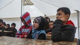 İdlibli çocukların tahtasız ve kitapsız 'çadır okulu'