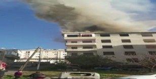 Tuzla'da inşaatın çatısında yangın