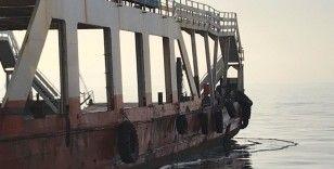 Çanakkale'de feribot ile balıkçı teknesi çarpıştı
