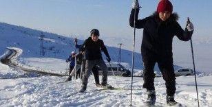 Sporcular, kayaklı koşu şampiyonasına yüksek kesimlerde hazırlanıyor