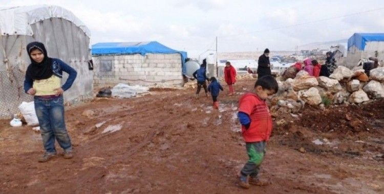 Suriye'de mülteci kampları sel sonrası çamur altında kaldı