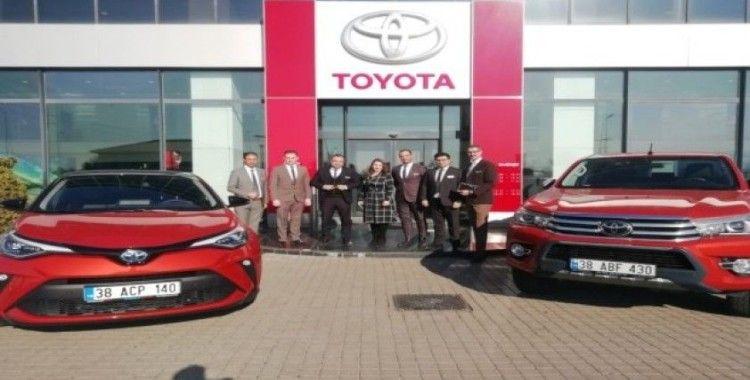 Sıfır araç alacaklar, Toyota Plaza Aksoy'da 31 Mart'a kadar finans kampanyasından faydalanabilecek