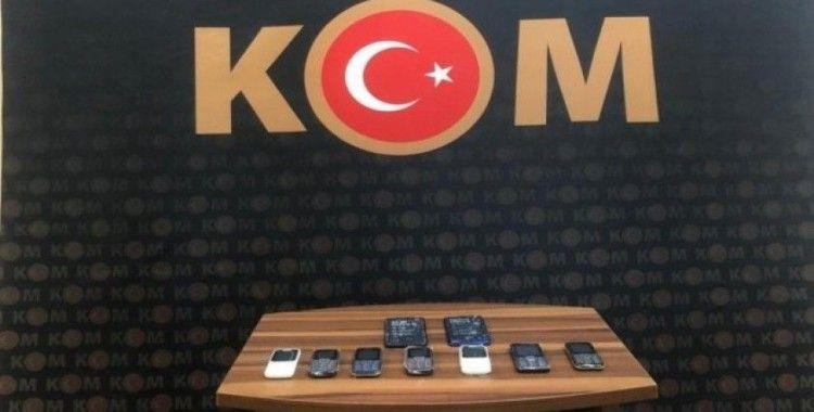 İnegöl'de kaçak telefon operasyonu:3 gözaltı