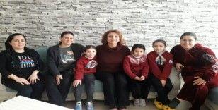 Mehmetçik İlkokulu öğretmenleri, 3 günde 60 aileyi ziyaret etti