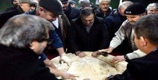 Başkan Ataç çekme helva yaptı