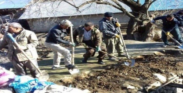Derecik'teki 70 yıllık su değirmeni yeniden onarılıyor