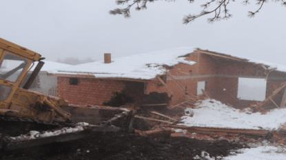 Samsun'da orman arazisindeki 26 kaçak yayla evi yıkıldı