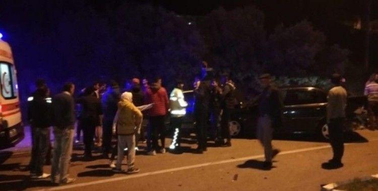 Kaş'ta araçlar kavşakta çarpıştı: 1 yaralı