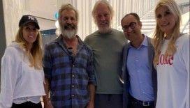 Begüm ve Adnan Şen çifti evlerinde Mel Gibson'ı ağırladı