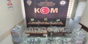 Kaçakçılık polisinden 500 bin TL'lik kaçak saat operasyonu