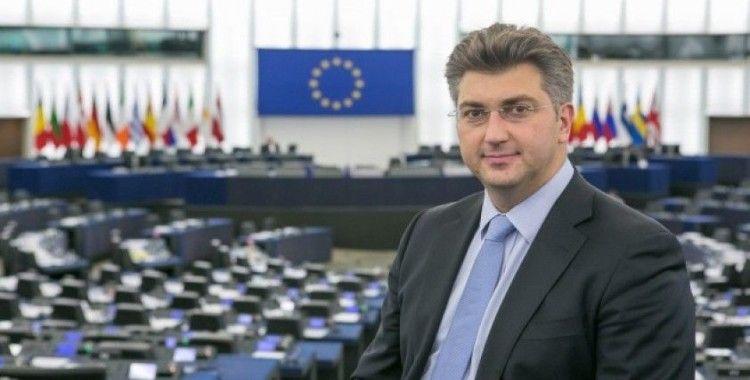 AB Dönem Başkanı Hırvatistan'dan Türkiye'ye Övgü