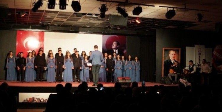 Öğrencilerden türkü dolu gece