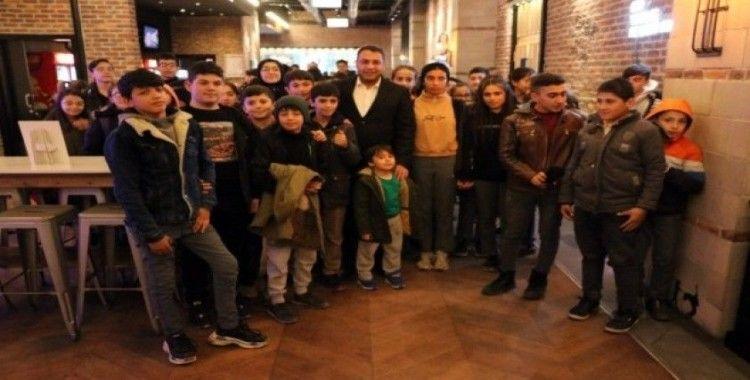 Öğrenciler 'Rafadan Tayfa Göbeklitepe'yi ilgiyle izlediler