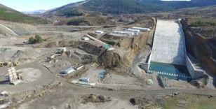 (Özel) 3 şehre hizmet verecek olan barajda çalışmalar devam ediyor