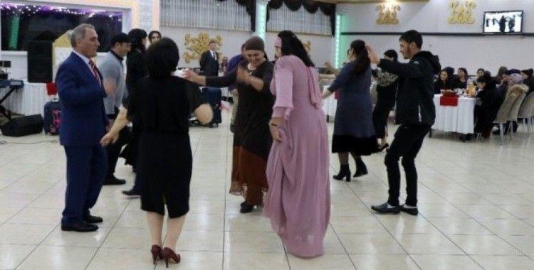 Ahıska Türkleri 'toy' geleneklerini Erzincan'da sürdürüyor