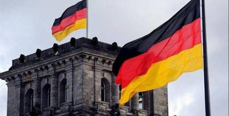Alman hükümeti, Berlin konferansına Sarrac ve Hafter'i davet etti