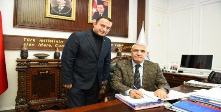 Battalgazi Belediyesi işçilerine toplu sözleşme imzalandı