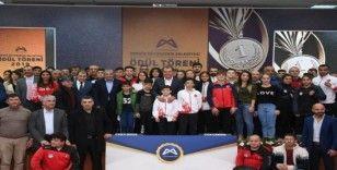 Mersin'de amatör spor kulüplerine malzeme yardımı yapılacak