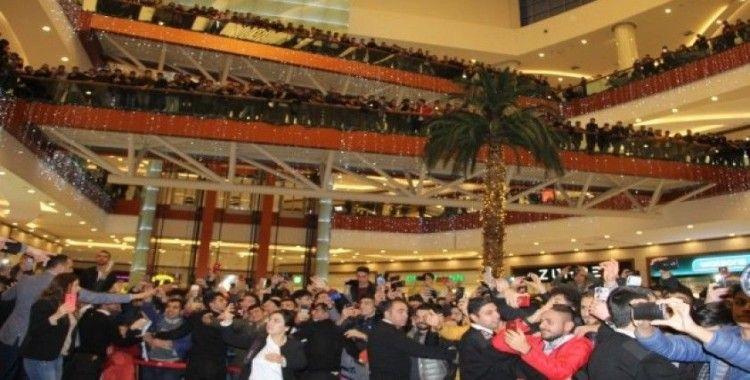 Diyarbakır'da 'Sıfır Bir' izdihamı