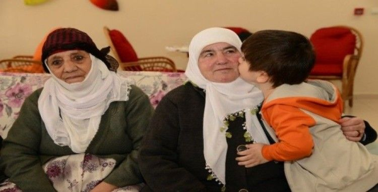 Büyükşehir Belediyesi çocukları yaşlılarla buluşturdu