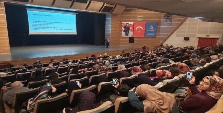 """Sıtkı Aslanhan'dan """"Aile İçi Eğitim"""" semineri"""
