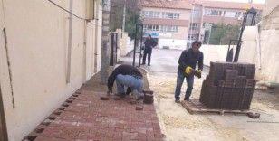 Gölbaşı Caddesinde kaldırım çalışması yapıldı