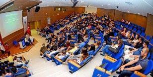 Yaşar Üniversitesinden tüm doktora öğrencilerine tam burs