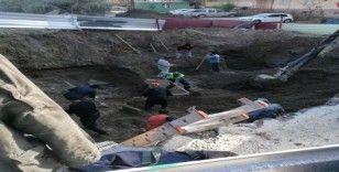 Tarsus'ta tarihi 'torpido' mezar bulundu