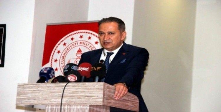 """Milli Eğitim Müdürü Ekinci: """"Türkiyemizin çağdaş dünyada yerini alabilmesi için yarışta başarılı olması gerekiyor"""""""