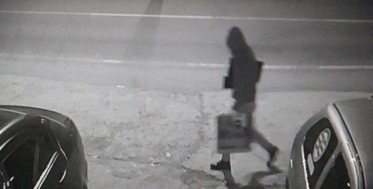 Bilgisayar hırsızı kamerada