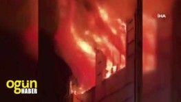 Beyoğlu'nda 5 katlı bina alev alev yandı