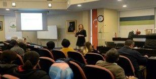 Belediye personeline ergenlik semineri