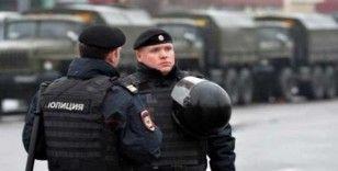 Rusya'da iş görüşmesinde sinirlenen şahıs ortağına ateş etti