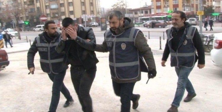 Arkadaşına para için santaj yaptığı iddia edilen şahıs serbest bırakıldı