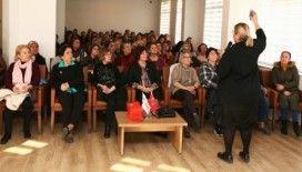Efeler'de 'kadınlarda idrar kaçılma' sorunu konuşuldu