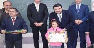 Başkan Bünül öğrencilerin karne sevincine ortak oldu