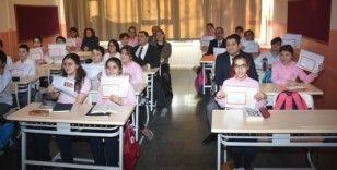 Aliağa'da 16 bin 964 öğrenci karne heyecanı yaşadı