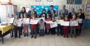 İlkokul öğrencileri karnelerini Başkan Özdem'den aldı