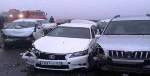 Rusya'da zincirleme trafik kazası: 2 ölü, 12 yaralı