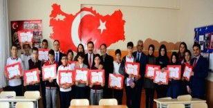 Vali Mustafa Masatlı, yarıyıl karne dağıtım törenlerine katıldı