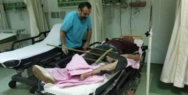 Bacağına saplanan korkuluk demiriyle hastaneye kaldırıldı