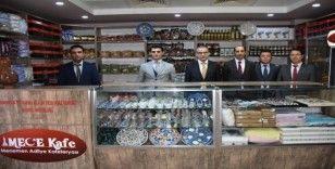 Menemen'deki sosyal markette mahkumların ürettikleri ürünler satılıyor
